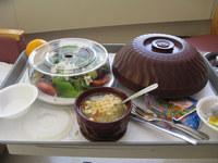 21 Фото еды для больных с госпиталей всего мира