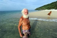 Сумасшедшая идея! Этот мужчина бросил все и за 13000 долларов приобрел свой рай на Земле...