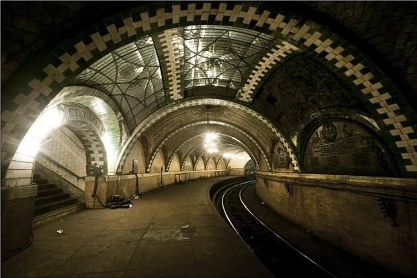 счастью, заброшенное метро в москве фото классическом стиле, элементами
