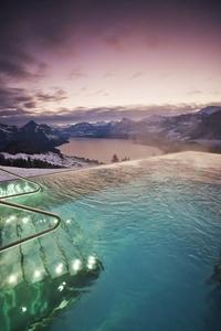 14 прекрасных бассейнов, уходящих в бесконечность