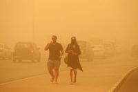Песчаная буря в Дубае парализовала город