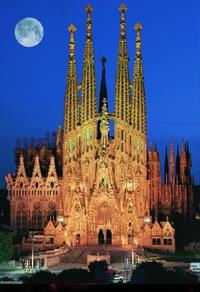 Барселона — шедевральное творение Гауди, которое взрывает воображение!