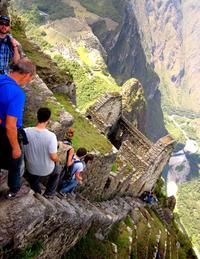 9 невероятно опасных туристических достопримечательностей. Для настоящих экстремалов!