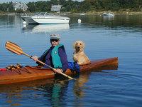 Ты не поверишь, когда узнаешь, кто является пассажиром этой лодки!
