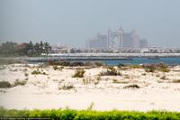 Что стоит за лоском и роскошью Дубая