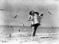 20 крутых ретро-снимков о том, как отдыхали на пляжах в 30-е годы