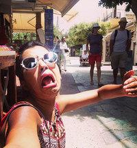 Фото женщины, отправившейся в медовый месяц без мужа, стали хитом интернета!