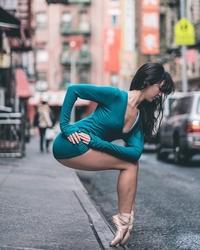 20 нереально крутых портретов танцоров балета, тренирующихся на улицах Нью-Йорка