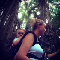 Годовалая малышка путешествует по миру с самого рождения