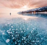 10 фото замерзшего Байкала, красота которого слишком ослепительна для нашей планеты