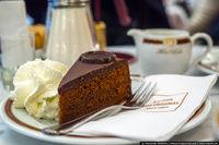 Захер этот торт! Как съесть десерт по цене обеда