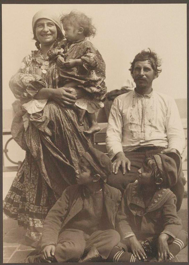 только почувствуешь старые фото цыган виды ждут