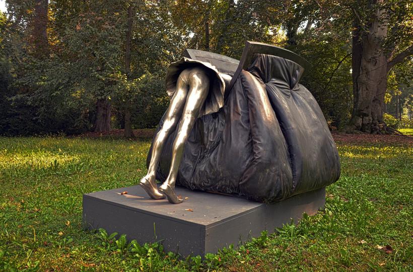 странные скульптуры фото своей находке мужчина