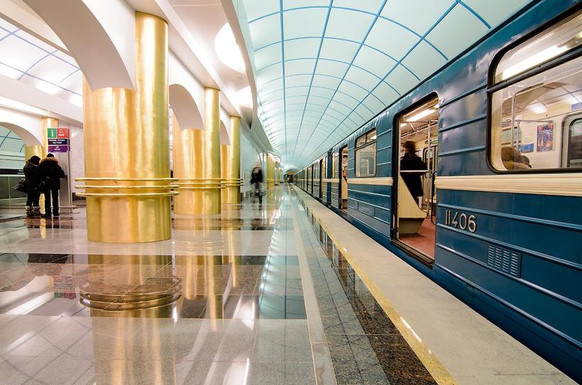 картинки санкт-петербурга метро мало кто