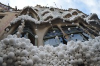 Дом Костей в снегу, Барселона