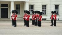 Смена караула в Лондоне