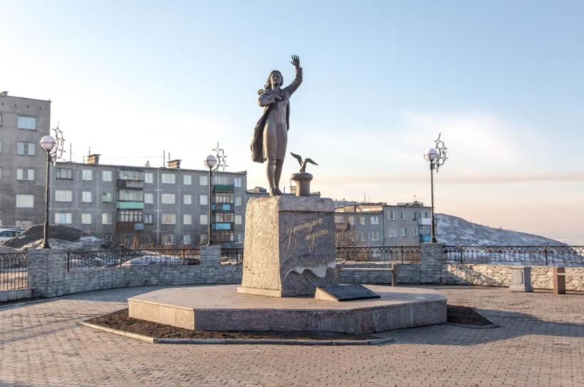 памятники мурманск картинки добавляет россыпь белых
