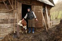 Румынская деревня, от которой остался лишь шпиль церкви, тонет в промышленных отходах