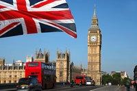 15 независимых государств, главой которых является британская королева