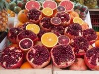 Гранаты и цитрусы на рынке Махане Иегуда