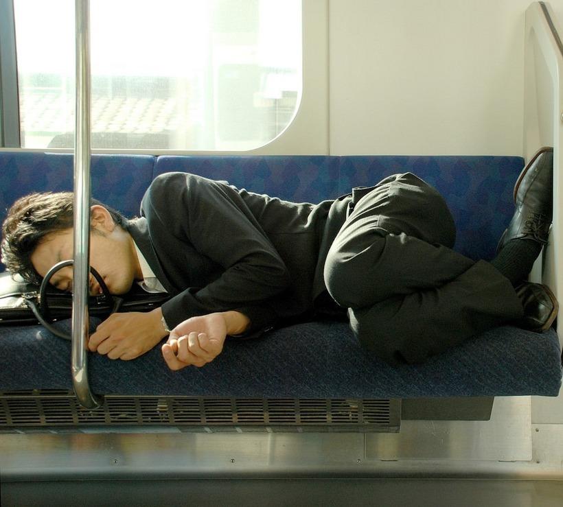 прикольные фото спящих людей на работе конфликт