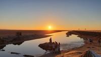 Закат на соленом озере, Тунис