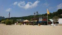 Пляж в Золотых песках