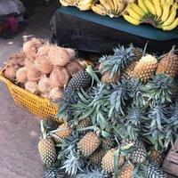 В июне созрел новый урожай ананасов