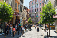 Стамбул: прогулка по главной улице города Истикляль