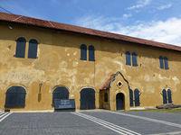 Старинное здание колониальной архитектуры приспособлено под Морской музей