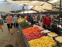 На фермерском рынке в Фетхие в апреле