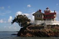 Работа мечты: жить в Калифорнии, следить за островом и получать 130 тысяч долларов