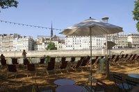 Искусственный пляж в Парк-Рив-де-Сена, Париж