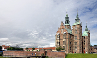 Знакомство со столичными достопримечательностями, сады замка Розенборг.