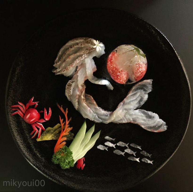 Художник создает на тарелках настоящие шедевры из сырой рыбы и других продуктов