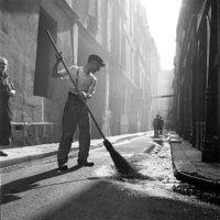 Ретроснимки о том, какой была жизнь в Париже перед Второй мировой и во время нее