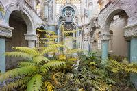 Француз снимает невероятно прекрасные заброшенные здания, которыми завладела природа