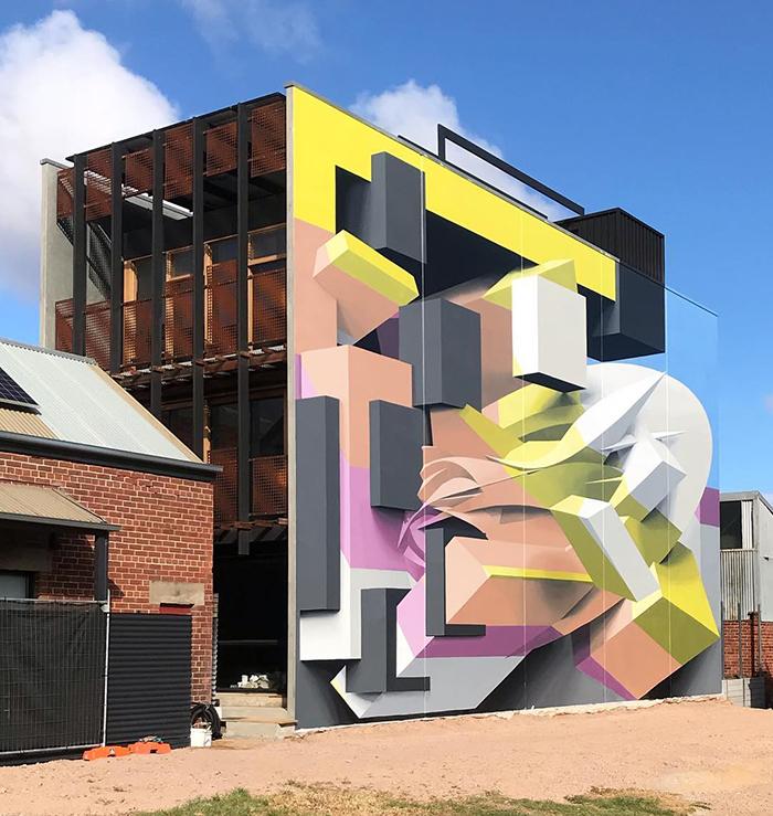 Граффити-художник ошеломляет прохожих своими 3D-рисунками на домах