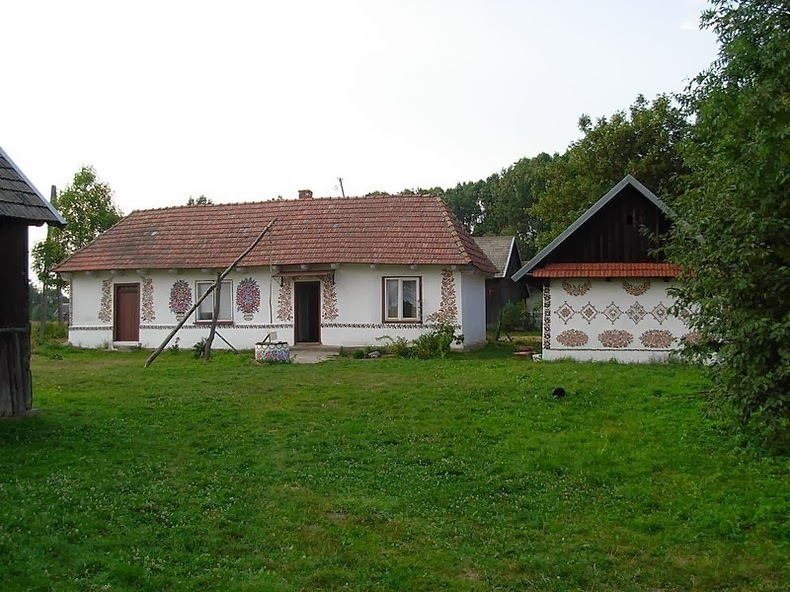 Малёвана хата: яркая польская деревушка, где каждый домик раскрашен вручную