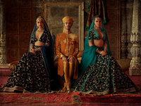 Фотограф показывает традиционную индийскую свадебную одежду в современном прочтении