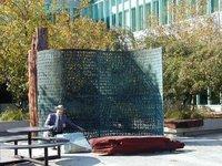 Загадка Криптоса: какое послание таит в себе зашифрованная скульптура возле здания ЦРУ