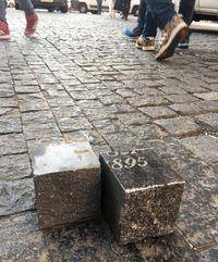 Надгробия под ногами: как бульвары Праги вымостили камнями с еврейских кладбищ
