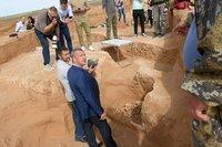 Золото скифов: фермер в Астраханской области случайно нашел древний курган