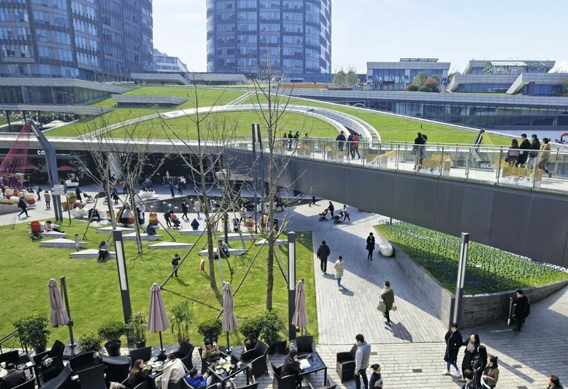 Фантастический зеленый уголок с многоуровневыми террасами и садами в центре Шанхая