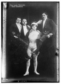Как выглядели первые женщины-бодибилдеры
