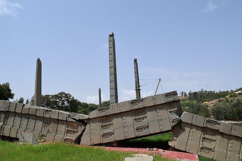 Загадка Аксумских обелисков в Эфиопии: как устанавливали огромные гранитные стелы