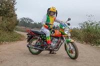 Голландский фотограф делает снимки эксцентричных мотоциклистов-таксистов Найроби