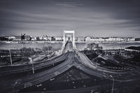 Фотограф снял пустынный Будапешт на карантине