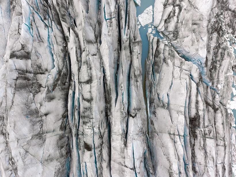 Великолепный фототур по невероятным «текстурам» Исландии