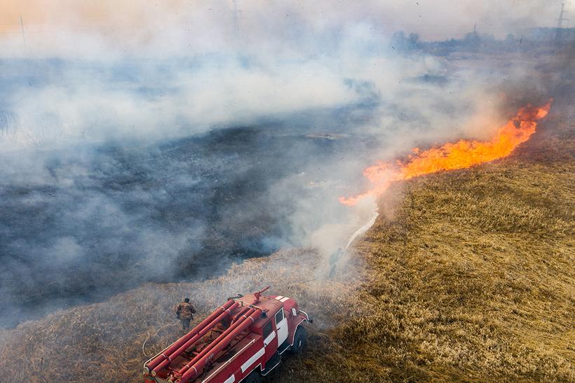 под картинки чернобыль пожар девочка стоит